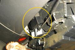 ここがOBDコネクタ…レーダー刺さり中.jpg