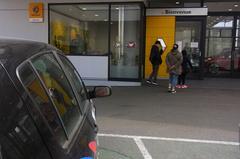 で、ルノー札幌さんに到着.jpg