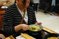 でかいカニカマと釜玉うどん.jpg