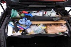 トランクの荷物ずらした1.jpg