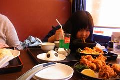 ラーメン食べる友希ちゃん.jpg