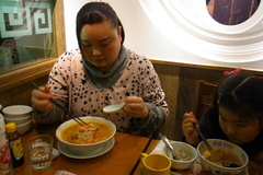 嫁さんはえび味噌担々麺.jpg