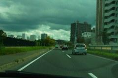 札幌中心街へ向けて….jpg
