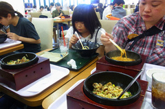 石焼ビビンパとユッケジャン麺.jpg