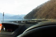 穏やかな支笏湖畔.jpg