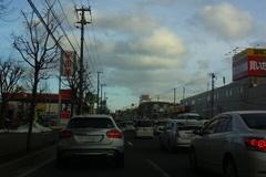 羊ケ丘通で渋滞に…(^^ゞ.jpg