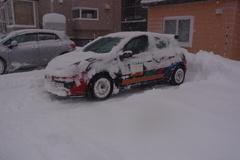 軽く雪かきしてから駐車ですよ.jpg