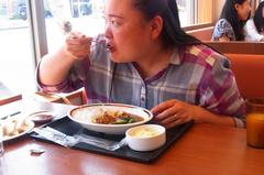 野菜カレー+ぎょうざの嫁さん.jpg