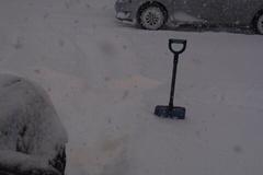 雪かき中….jpg
